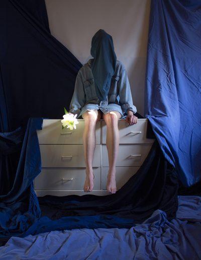 Seul dans les draps, 2020 by photographer Brittney Fortin
