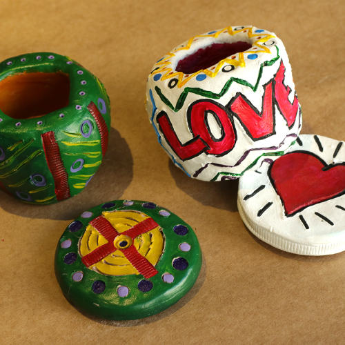 Pinch Pots with Sarah Hawley (ages 6 to 9)